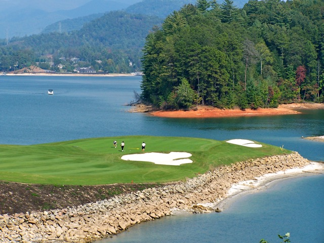 Cliffs Keowee Vineyard par 3 17th